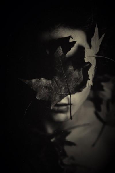 Face, leaf,black